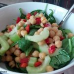 Chickpeas with raw veg
