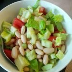 White kidney beans with romaine and veg