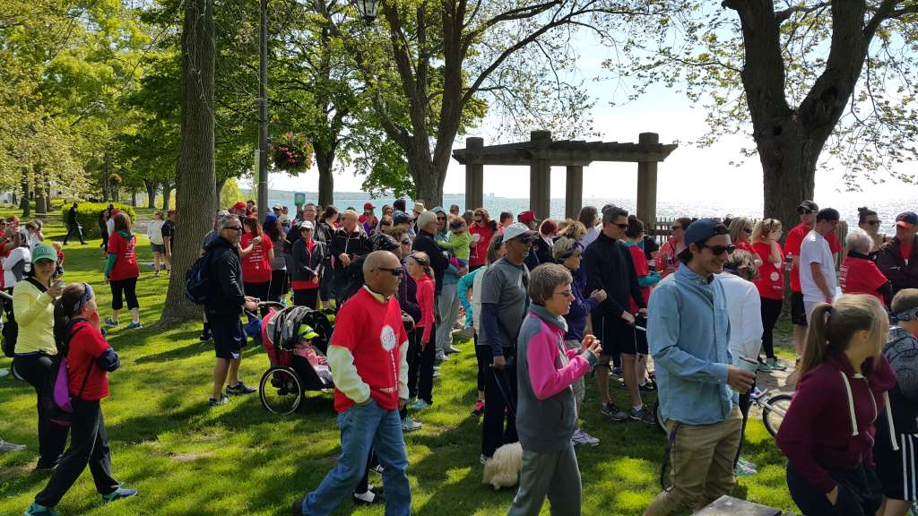 Gutsy Walk Durham 2015 Start line crowd