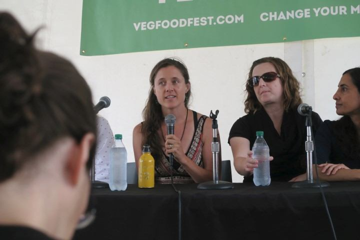 jo-anne-mcarthur-speaking-at-toronto-veg-fest-2016